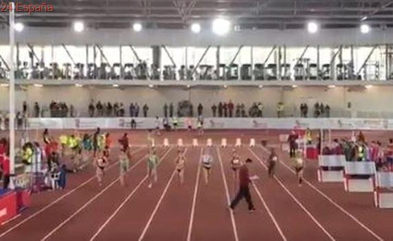 Increíble despiste de un juez durante una carrera de 60 metros