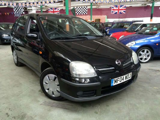 Used 2004 (04 reg) Black Nissan Almera Tino 1.8 S 5dr for sale on RAC Cars