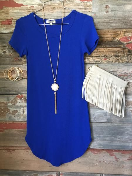 The Fun in the Sun Tunic Dress in Royal is comfy, fitted, and oh so fabulous! A great basic that can be dressed up or down! Sizing: Small: 0-3 Medium: 5-7 Large