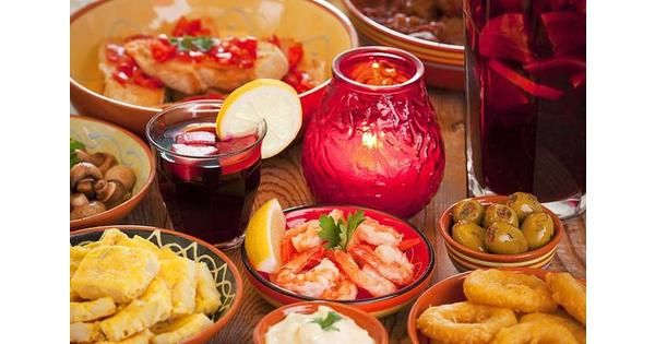 Enjoy tasty Spanish tapas, a range of starters & chocolate dessert at the Liverpool La Tasca restaurant hen party. Enjoy great food & drink with friends.