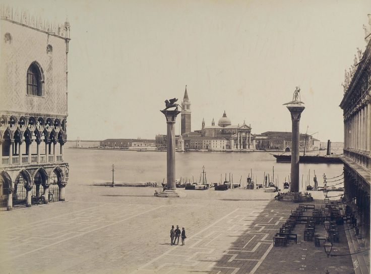 early photograph of Venice 1850-1870 with the Doge's Palace to the left of Piazza San Marco