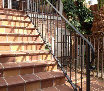 M s de 20 ideas incre bles sobre barandillas de hierro en for Escaleras de hierro precios