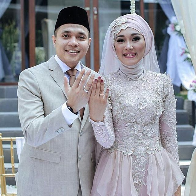 Tag @kebayadandress #kebayadandress Like and mention your friends  #kebaya #kebayamodern #kebayawisuda #kebayagraduation #kebayanikah #kebayamodifikasi #kebayadandress #dress #dressmuslim #dressmuslimah #prewedding #wedding #photoprewedding #bridesmaids #bridesmaid #kondanganoutfit #bajupesta #gaun #gaunpesta #longdress #hijab #hijabers #kebayadress #dresskebaya #inspirasikebaya #kutubaru #inspirasikebayadress #likeforlike #kebayakutubaru #gaunpengantin