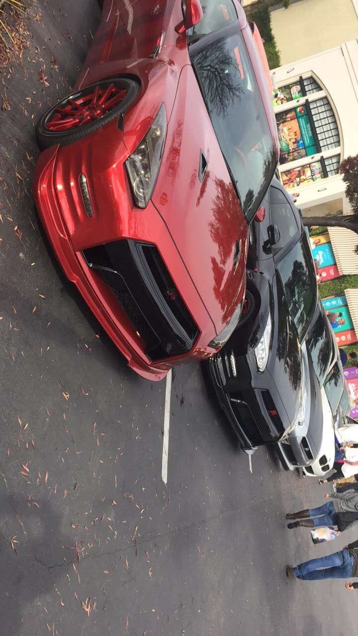 3 GTR's and a BMW