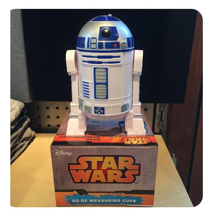 R2D2 measuring cups?? Yes please!!  by shop_fuego