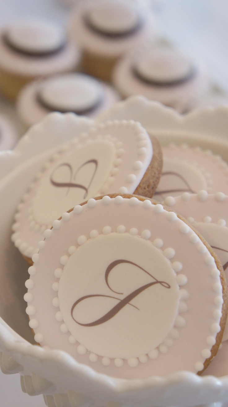 Monogram cookies by sweet bloom cakes. Would so love to do this. A southern girl likes her monograms.  TG