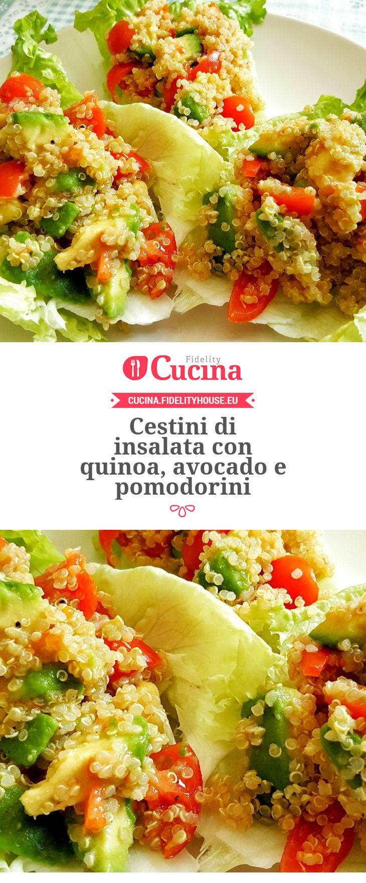 Cestini di insalata con quinoa, avocado e pomodorini