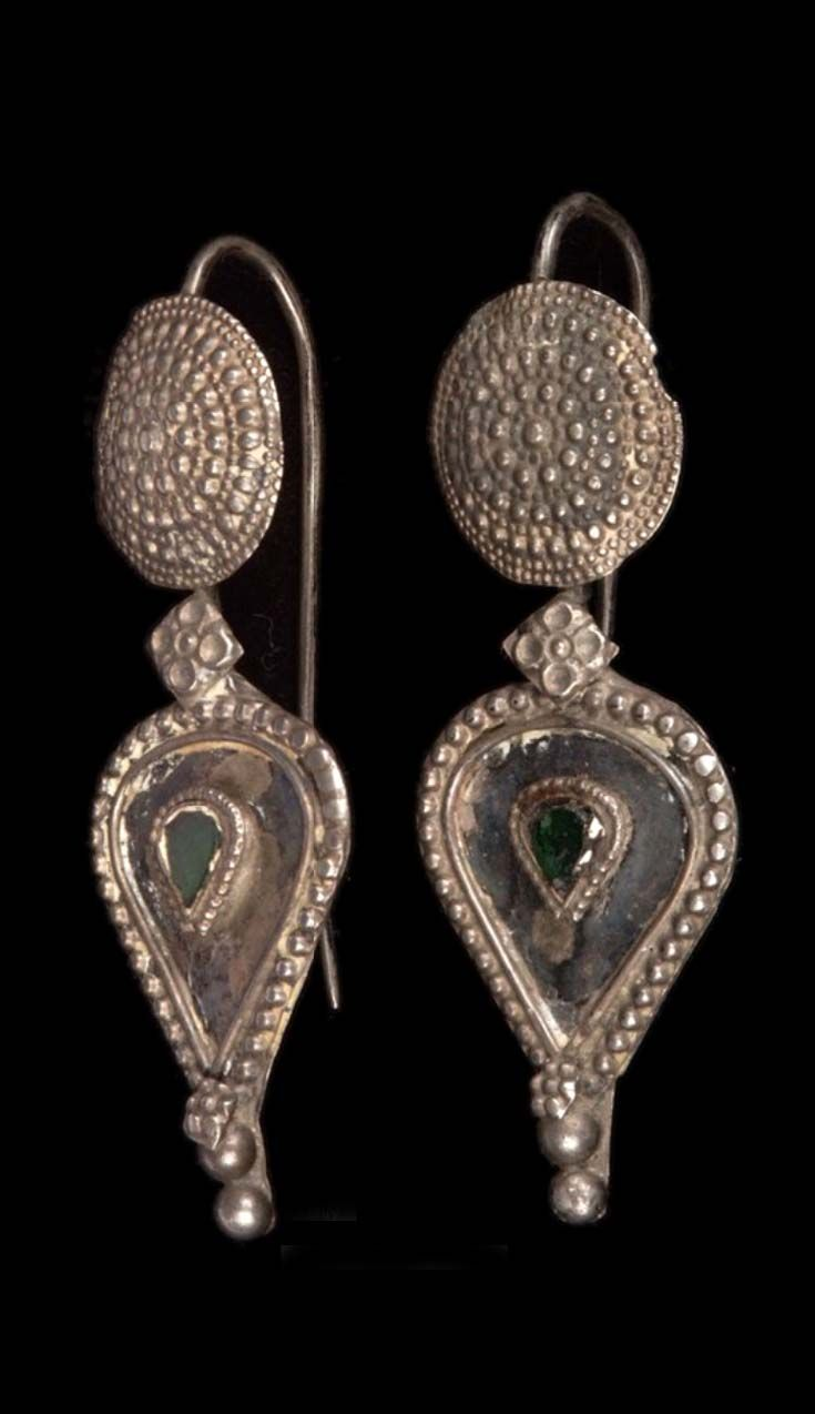 Pakistan - Sindh Province | Pair of earrings from the Sindhi people; silver and glass.  // ©Quai Branly Museum. 71.1975.51.4.1-2