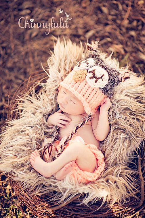#newbornphotography #ocnewbornphotographer #ocnewbornphotography #chinnylulu #chinnylulunewbornphotography #newbornpose #babyheadband #crochethat