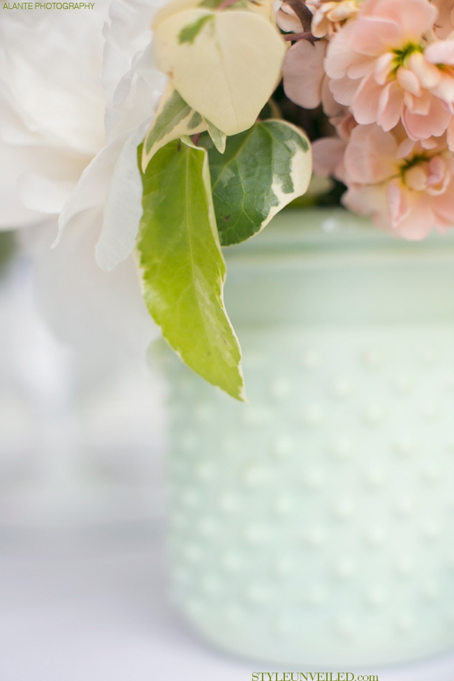 Peach and Mint Green Wedding Tablescape / Alante Photography / via StyleUnveiled.com