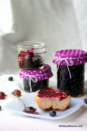 Gooseberry blueberry jam again