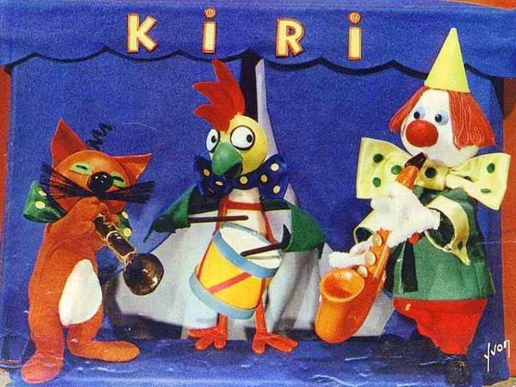 Kiri le clown est une série télévisée d'animation française en 65 épisodes de 5 minutes, créée par Jean Image et diffusée à partir d'octobre 1966 sur la première chaîne de l'ORTF,Kiri est un clown qui a créé sa propre troupe de cirque avec laquelle il voyage de ville en ville en roulotte. Il est également jongleur et prestidigitateur. Il porte un gros nœud papillon à pois ainsi que le chapeau pointu traditionnel des clowns blancs.......SOURCE WIKIPEDIA.ORG.......