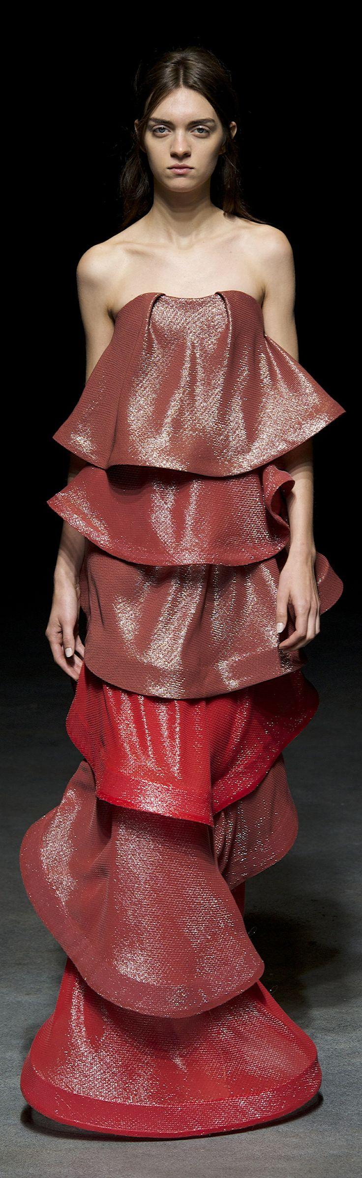Yiqing Yin Haute Couture Spring 2014 www.bibleforfashion.com/blog #bibleforfashion