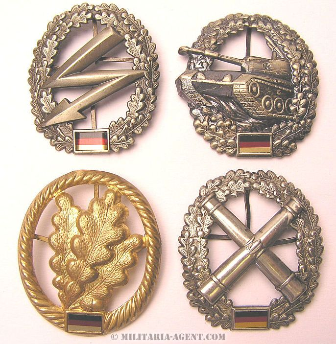 West German Medals   BRD WEST GERMAN ARMY BERET BADGES, 4 DIFFERENT - Militaria Agent
