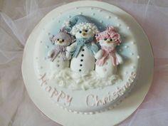 'Snowfamily' Cake - by CakeHeaven @ CakesDecor.com - cake decorating website