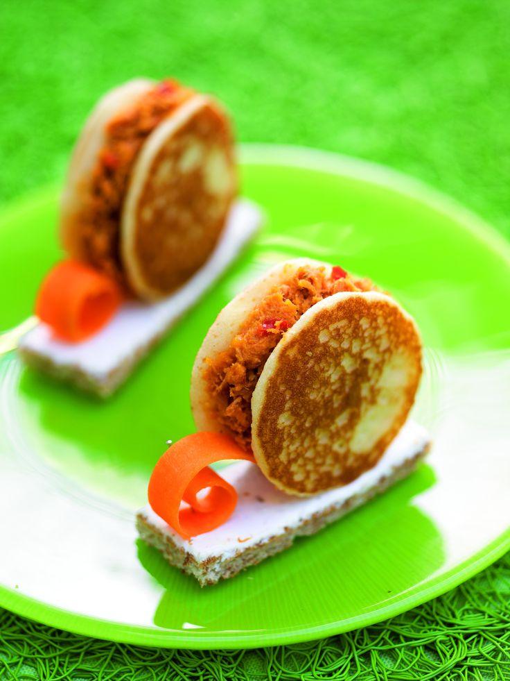 Escargots de Mer. Lekker bij de Borrel  Voor het recept: http://www.bommelsconserven.nl/recepten/amuse_recepten/escargots_de_mer.html