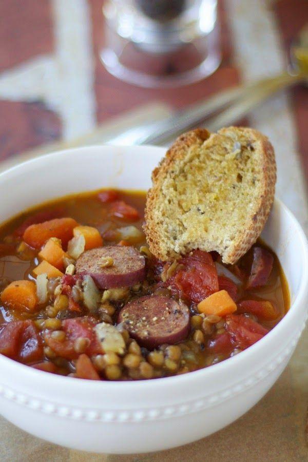 Lenticchie e salsiccia zuppa {sana, ricca e deliziosa} |  una tazza di mascarpone