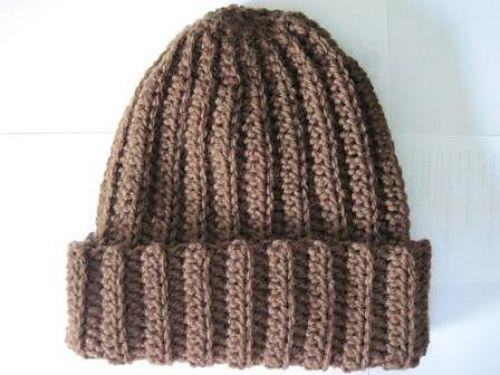 Ravelry: Basic Crochet Ribbed Hat pattern by Rebekah Thompson -- looks warm!