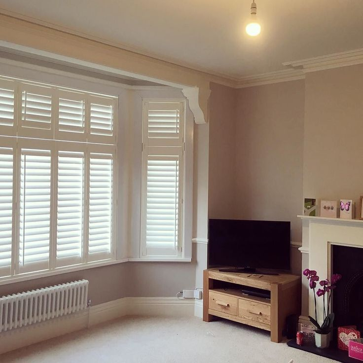 How fanstaic do these #shutters look in this #livingroom? A great alternative to curtains or blinds. Ours are made to measure and installed by local carpenters. #madeinlondon #architectslondon #archidaily #mynewhome #londonhomes #interiors #interiordesign #homedecor