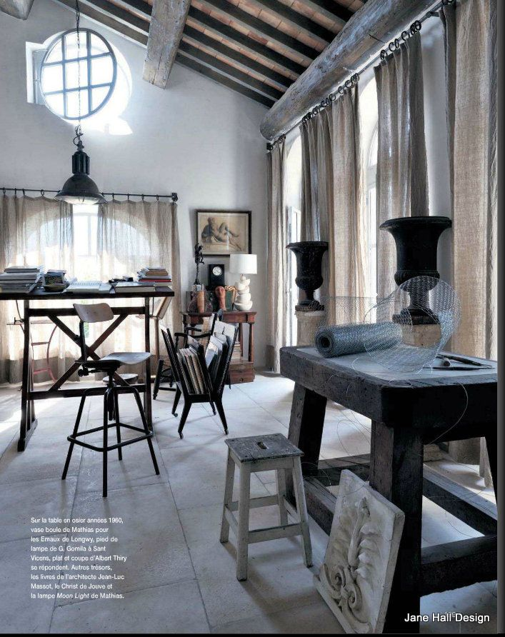 rustic french country style dining room featured in maison. Black Bedroom Furniture Sets. Home Design Ideas