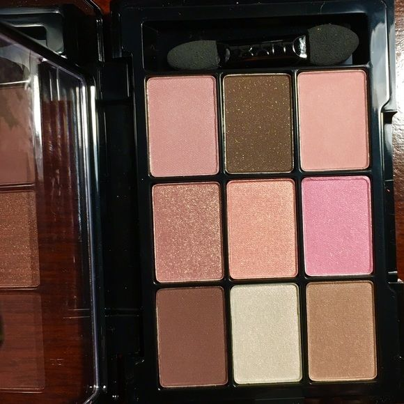 NYX palette Brand new! The front had a sticker and I took it off that's why it has that stain! NYX Makeup Eyeshadow
