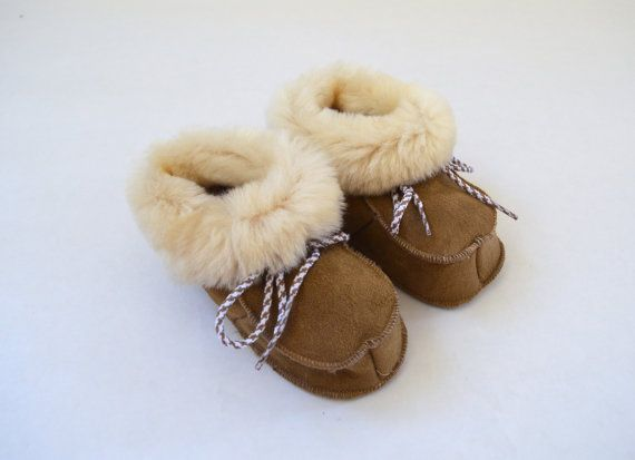 Genuine shearling slippers for babies. Real fur crib by BeFur