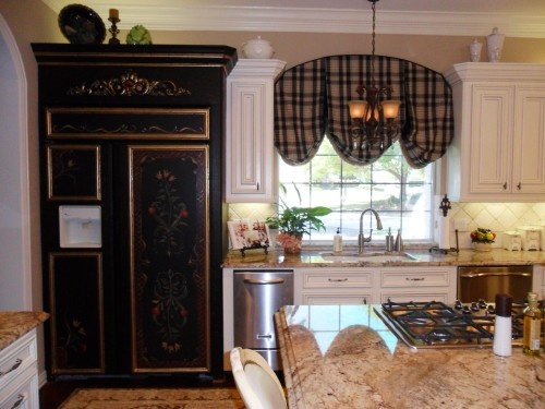 Interesting how the window treatment is arched unique for Arched kitchen window treatment ideas