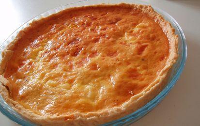 Quiche di formaggio - Ecco una ricetta per la Festa della mamma, facilissima da fare e per questo adatta ad essere preparata dai bambini per la loro mamma, ma sempre sotto la sorveglianza del papa'