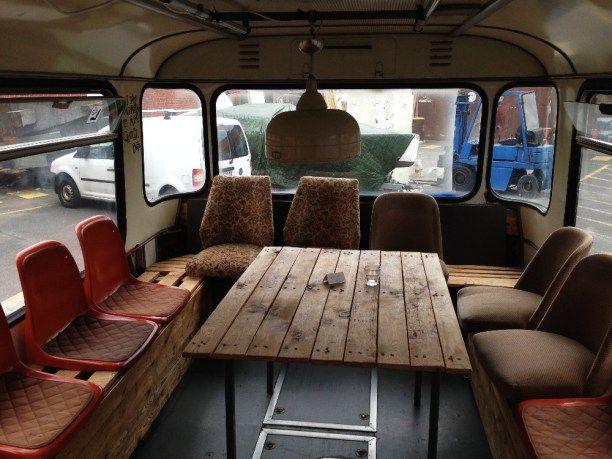 Abendessen im Linienbus? In Berlin geht das.