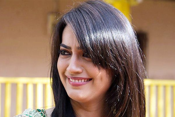 I recently bought a pair of platinum anklets: Surbhi Jyoti | Tellychakkar.com