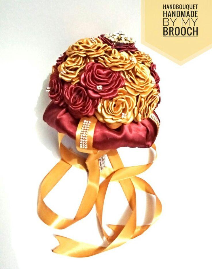 Hand bouquet wedding atau banyak yang bilang bunga tangan saat ini banyak digunakan dalam mempercantik penampilan pengantin wanita dan tampilan foto. tampilan Bunga-bunga segar ataupun dari kerajinan...