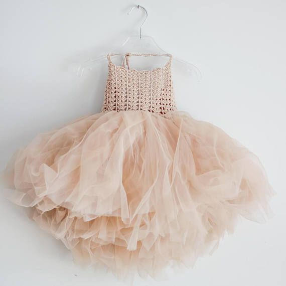 Beige halster Tutu jurk. Bloemenmeisje Tulle jurk met kant