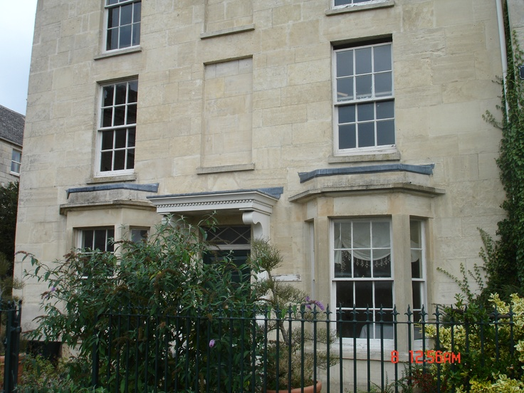 Beautiful Cotswold stone Georgian house..: