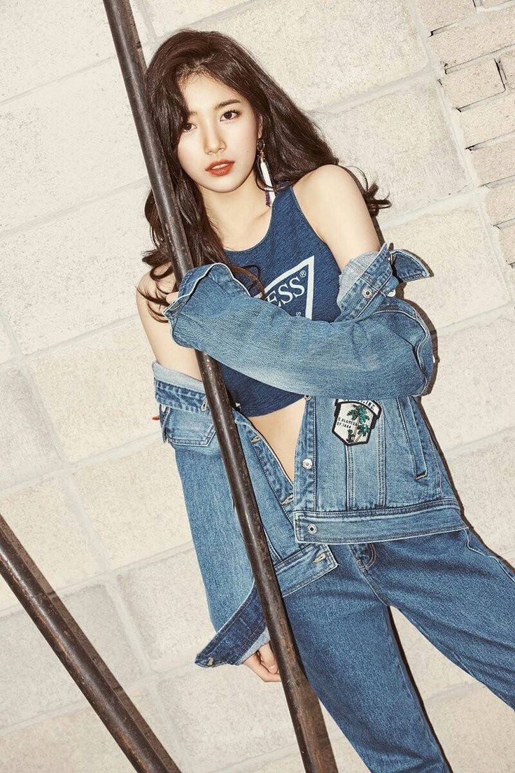 Bae Suzy - GUESS 2017