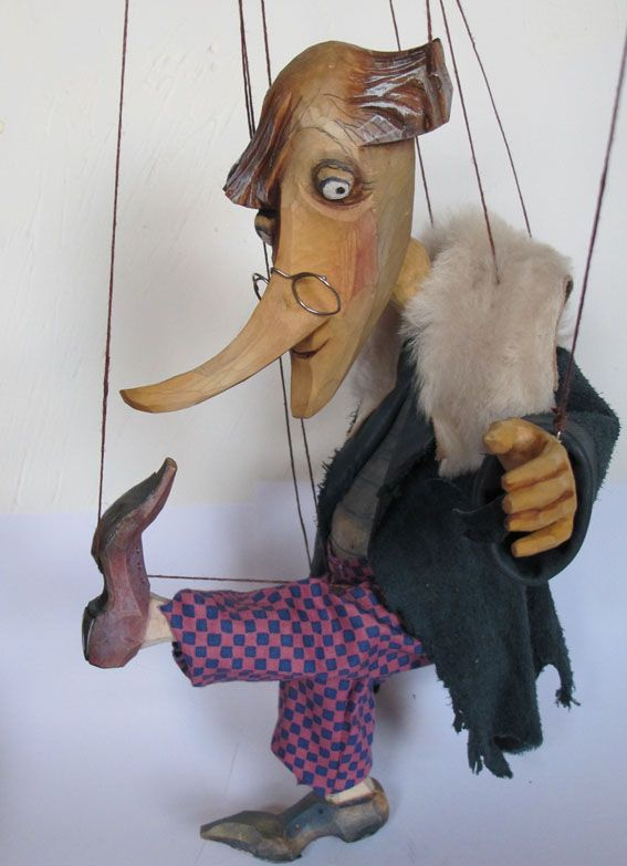 Puppets | Tineola Theatre - czech puppets and marionettes - Prague