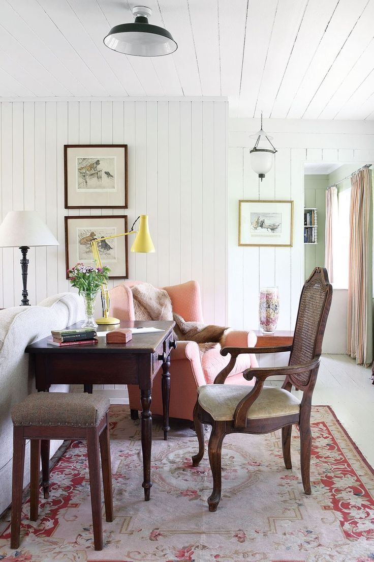 Jeanetta Rowan Hamilton Inherited This Former Fishing Lodge From Her  Parents And Carefully Restored It To Its Former Glory. She Abhors Waste,  Loves Change ...
