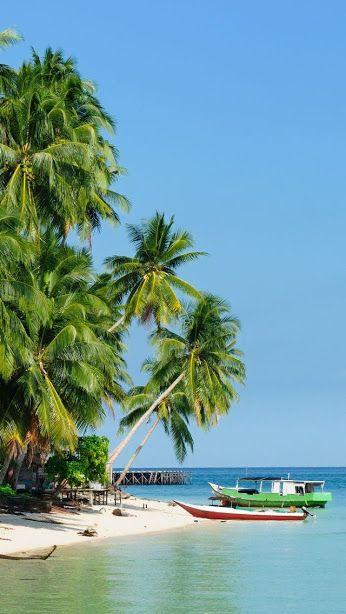 Ilha Derawan  - Indonésia É uma reserva natural com belas paisagens e praias, localizada ao leste de Bornéu.