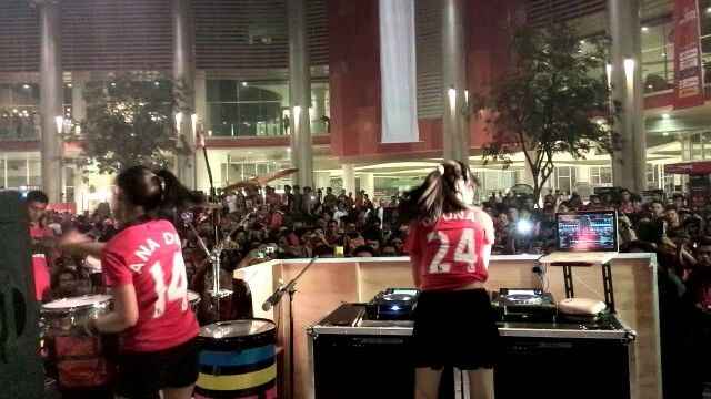 DJ Una & Ana at #IAMUNITED Jakarta 2014
