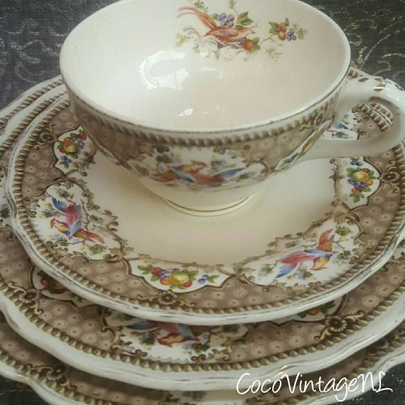 Marlsborough Royal Petal Grindley high tea set 4 pieces CHATSWORTH Exotic Birds vintage bridal shower ~ pastry dish breakfast plate china  Etsy shop https://www.etsy.com/nl/listing/536248685/marlsborough-royal-petal-grindley-hoge