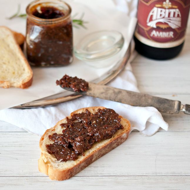 Beer & Bacon Jam  Ingredients  12 oz bacon (8-10 strips)     4 cloves of garlic, smashed     1/2 cup yellow onion, chopped     12 oz amber ale or bourbon barrel aged stout     1/4 cup apple cider vinegar     3/4 cup brown sugar