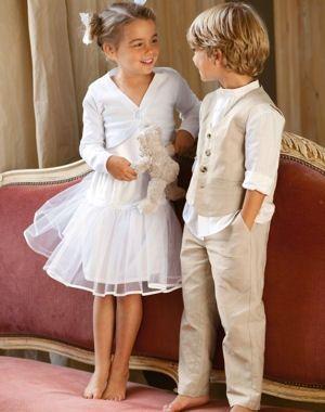 Vous pensez au cortège de votre mariage ? Vous êtes invitée et cherchez une tenue de cérémonie pour votre enfant ? C'est par ici !