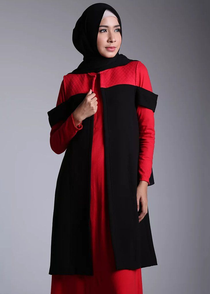 Quatre Vest Red