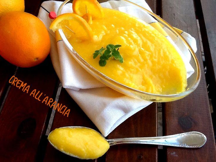 La crema all'arancia, è una valida alternativa alla più classica crema pasticciera, per farcire i dolci, per le crostate aperte e chiuse, per accompagnare
