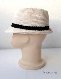 Sombrero crochet bebé Un sombrero de ganchillo tipo Panamá , de ala corta. Para todas las edades