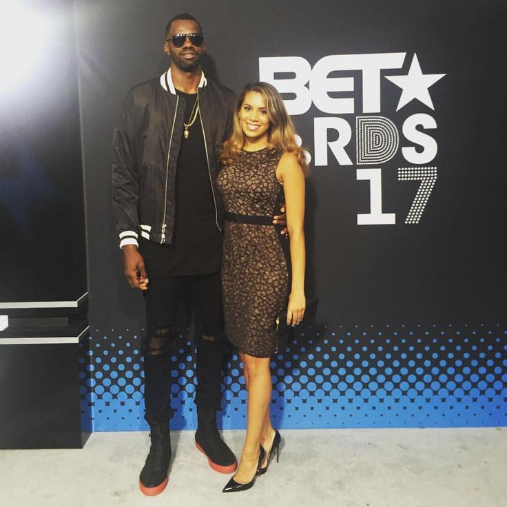 dewayne dedmon at the bet awards in head to toe dp //