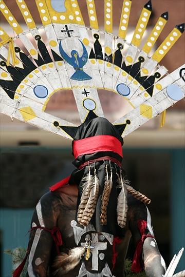 F Baa F D Fe F E C on Aztec Indian Dancers