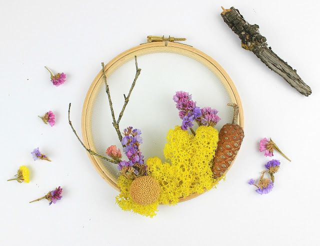 Diy Woodland Wreath with Flowers and Moss!!! | Ef Zin Creations