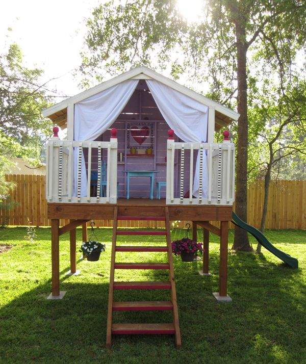 85 best images about forts clubhouses and serect hidden for Boys outdoor playhouse