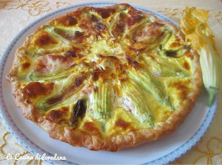 Torta salata con fiori di zucchina ripieni | La cucina di Loredana
