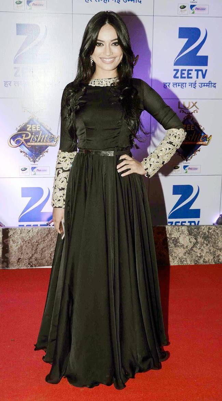 Surbhi Jyoti at the Zee Rishtey Awards 2015. #Bollywood #Fashion #Style #Beauty #Hot